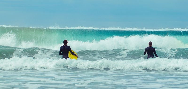 How to experience surf camp holidays the best ways?